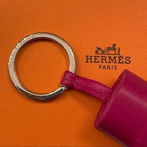 Hermes Accessories - Hermes Carmen key ring ✨